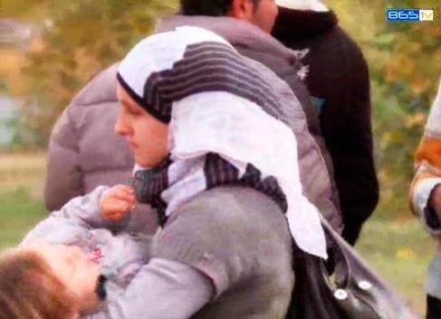 В помощ на бежанците